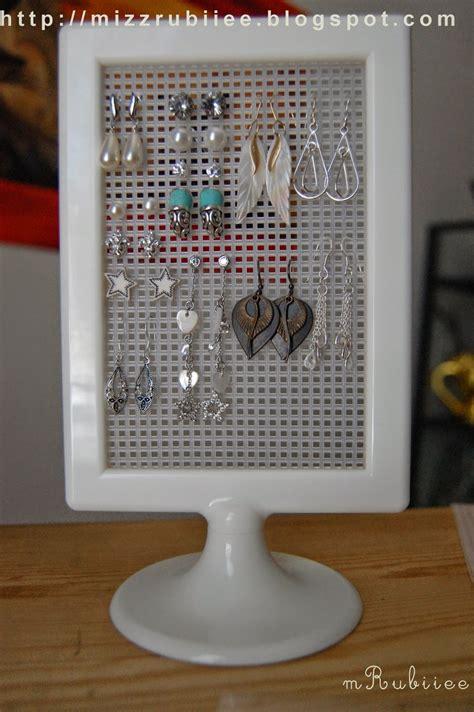 diy stud earring holder