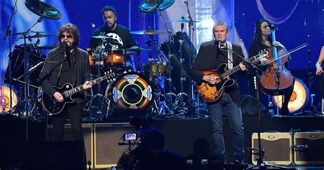 electric light orchestra members elo shines at rock roll of fame induction i m