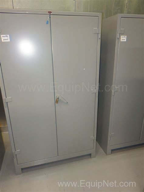 Metal Storage Cabinets With Doors And Shelves 444637 Lot Of 2 Lyon Heavy Duty Metal Storage Cabinets With Shelves And Lockable Doors