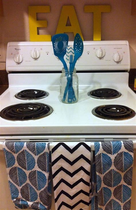 cute kitchen ideas for apartments 25 best ideas about small apartment kitchen on pinterest