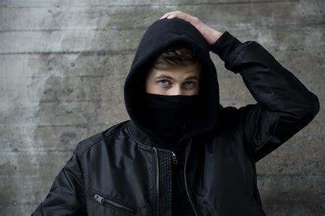 alan walker upcoming alan walker apre le date europee di rihanna radio lombardia