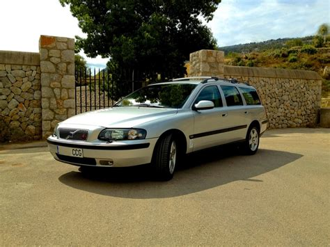 2003 volvo station wagon 25 best ideas about volvo v70 d5 on volvo v70