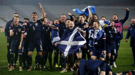 euro  scotland qualifies  crazy finish