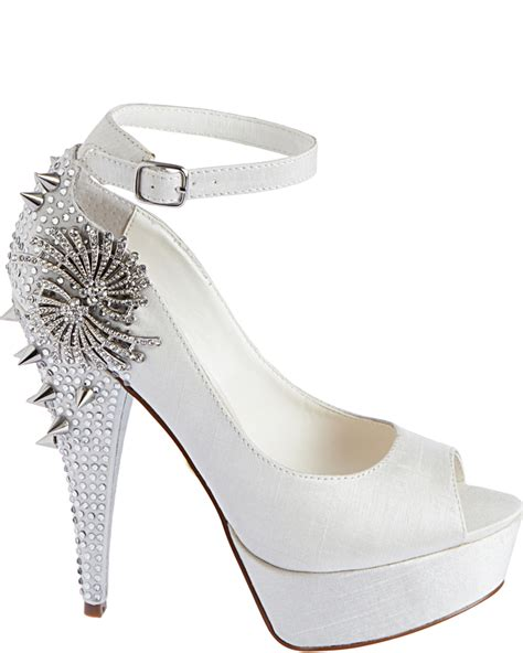 betsey johnson bridal shoes betsey johnson debuts new bridal shoe collection style