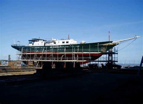 catamaran refit cost solent refit southton s new superyacht facility