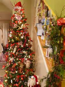 when do you put up your christmas tree the apron stage