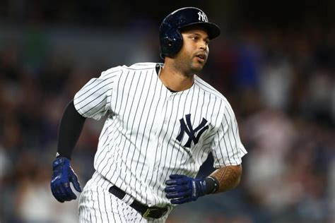 yankees activate aaron hicks put clint frazier on 10 day