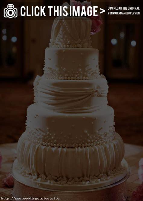 elegant wedding cake designs   Traditional Yet Classic