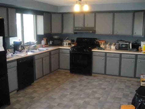 Grey Kitchen Cabinets With Black Appliances Grey Kitchen Cabinets With Black Appliances Everdayentropy