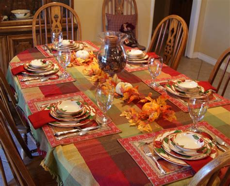 delightful golden thanksgiving table decorations on dining