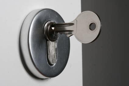 come cambiare serratura porta blindata come sostituire il nottolino della serratura porta blindata