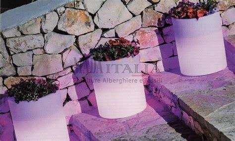 vasi luminosi per esterno vaso luminoso esterno e interno hotel