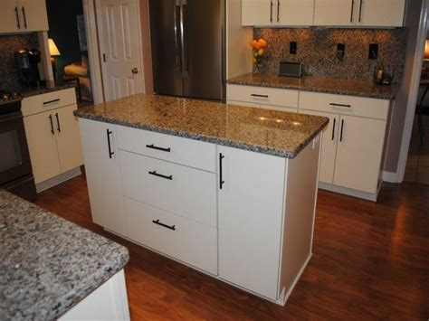 pull kitchen cabinets kitchen cabinet pulls pictures options tips ideas