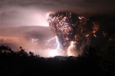 Awesome Lighting volcano lightning awesome desktop monscooch