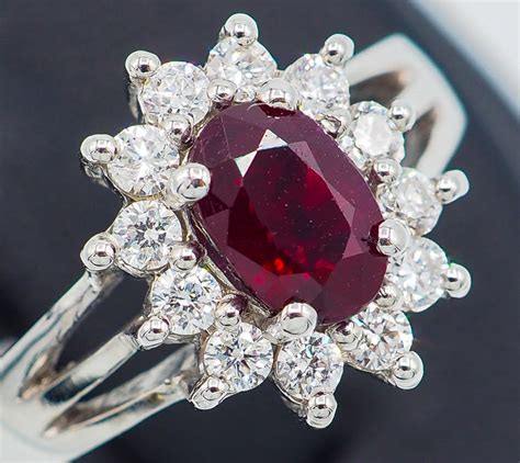 Ruby 13 38 Ct ruby ring 1 11 ct 18kt white gold 0 41 ct white vs