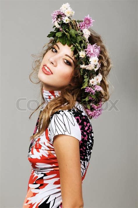 flowermodels com portrait of a beautiful fashion model in flower crown
