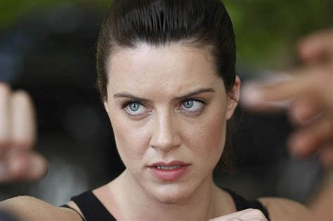 michelle ryan death in paradise death in paradise michelle ryan feels the heat daily star