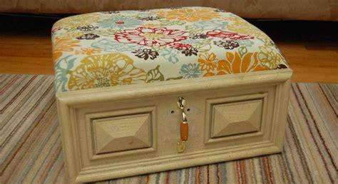 ottomane meuble relooker meuble ancien astuces d 233 co et photos inspirantes