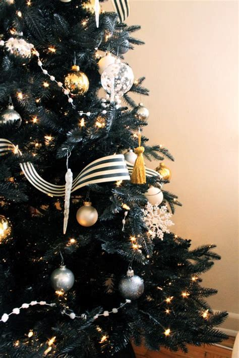 black tree via coco kelley christmas pinterest