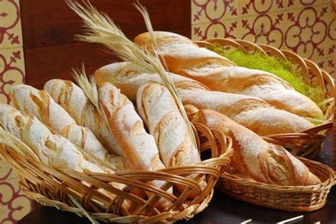 pane fatto in casa bimby ricette bimby il pane fatto in casa tomato