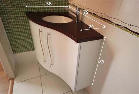 Superbe Stratifie Pour Salle De Bain #2: meuble-d-angle-petite-salle-de-bain.jpg