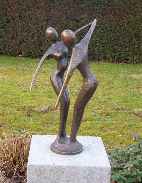 moderne beelden voor in huis bronzen beeld modern danspaar kopen gerichtekeuze