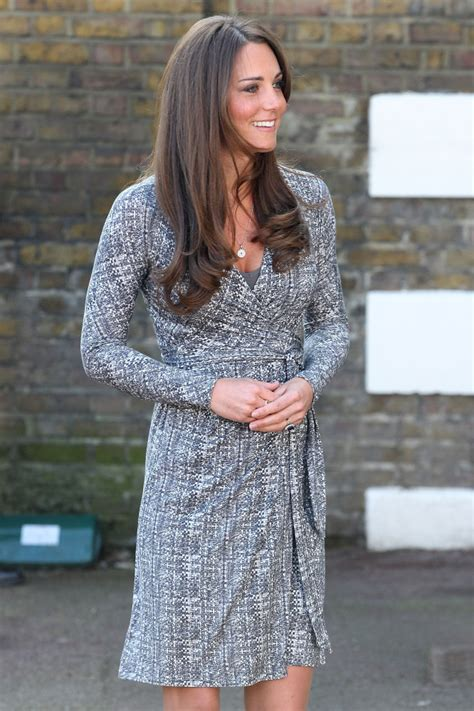 Kate Hudson Spotted Buying Baby Clothes Is She by Duchess Of Cambridge Spotted Buying Maternity Wear From