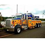 Peterbilt Tow Truck  Seen At The 2010 US Diesel National