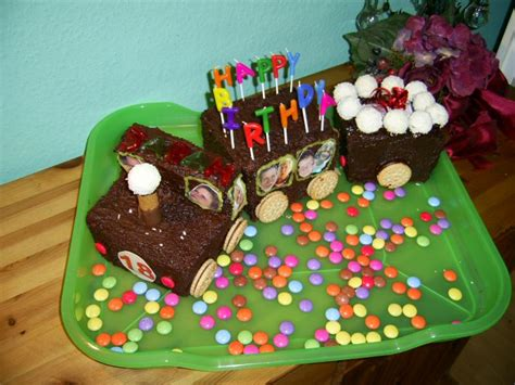 zug kuchen kindergeburtstag torten f 252 r besondere anl 228 sse fotoalbum kochen rezepte