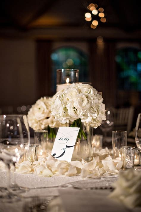 Reception Décor Photos   Rose Petals Around Centerpieces