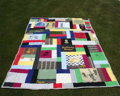 Make A Quilt From T Shirts by How To Make An Out Of The Ordinary T Shirt Quilt Part Two Craftstylish