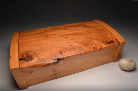 Handmade Jewellery Boxes - handmade jewellery box in solid yew 0018