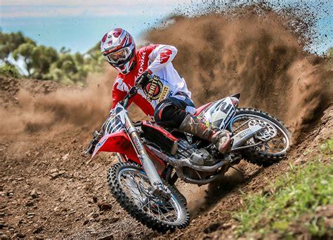 scorpion motocross pirelli scorpion mx extra x 110 90 19 mid rear tyre at mxstore