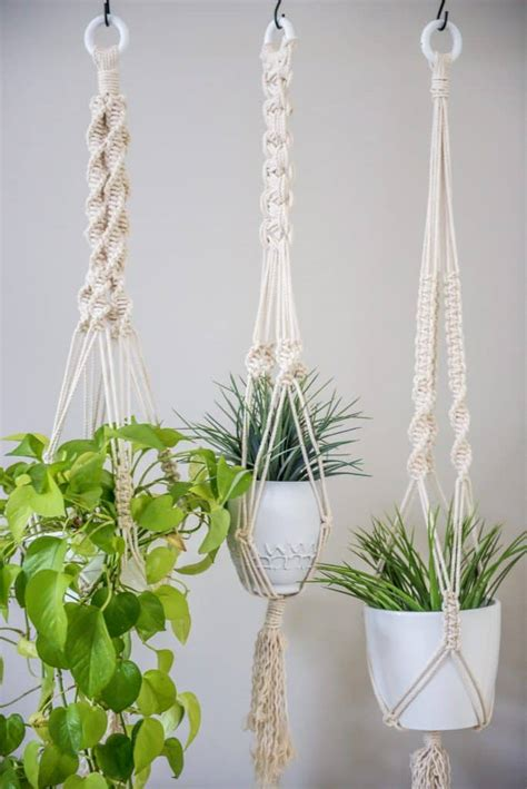 Learn Macrame Knots - learn three basic macrame knots to create your wall hanging