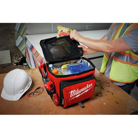 Milwaukee 48 22 8250 Jobsite Cooler
