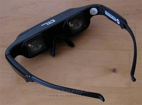80 Inch Tv Unboxing by Q 3d 80 Eyewear Review Slashgear