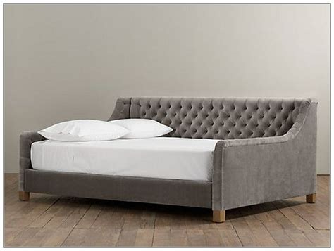 diy daybed headboard ideas 25 best ideas about queen size daybed frame on pinterest