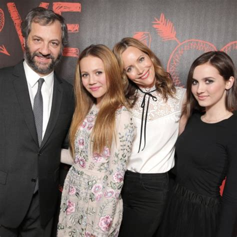 leslie mann judd apatow daughter judd and iris apatow at the mtv movie awards 2015