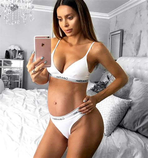 sarah stage pregnancy monthly photos six pack mom sarah stage welcomes second child baby boy