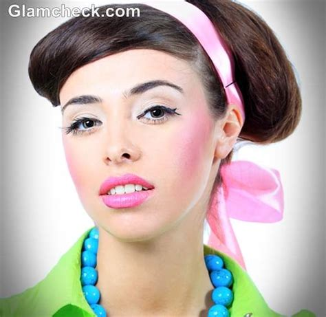 hairstyles and makeup from the 60s 60 s hair and makeup look mugeek vidalondon