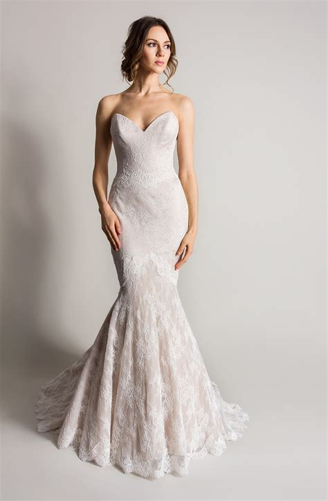 Wedding Dresses Designer Uk by Coloured Wedding Dresses From Top Uk Bridal Designers