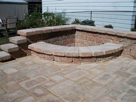 a corner pit for with backyard space