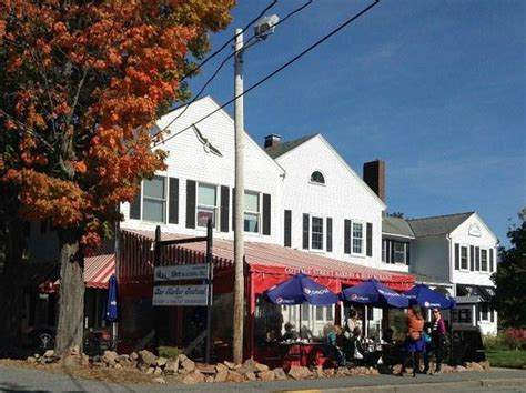 Cottage Place Restaurant by Lobster Lunch Picture Of Cottage Restaurant And Bakery Bar Harbor Tripadvisor