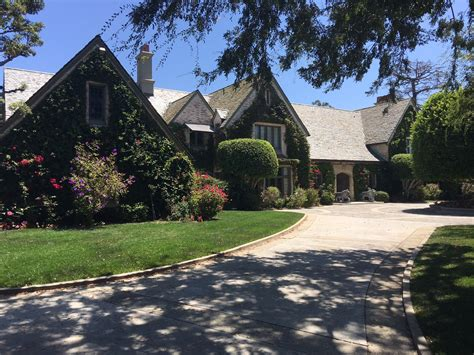 house pics 100 million sale of playboy mansion to daren metropoulos closes