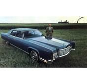 1972 Lincoln Continental Standard Equipment