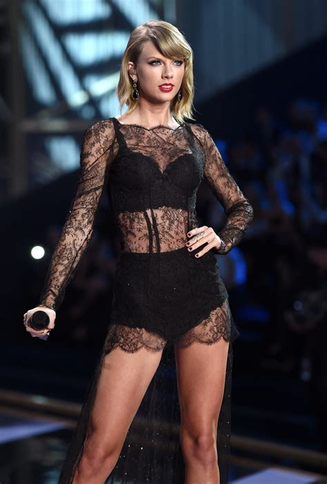 taylor swift london december taylor swift is back at the top of the billboard chart time
