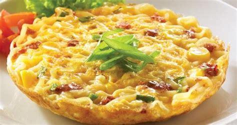 cara membuat martabak telur beserta gambar resep dan cara membuat omelet mie telur sederhana