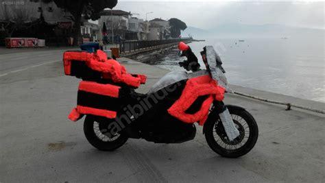 sahibindencomda goerenleri koer eden motosiklet