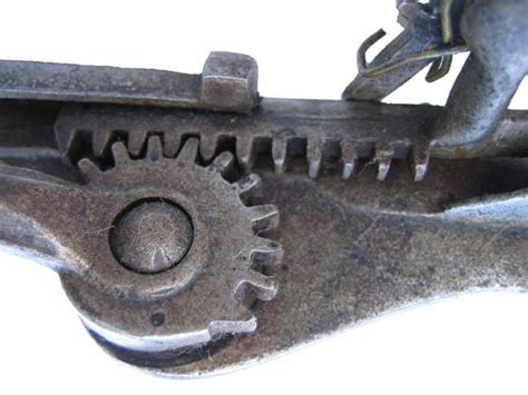Rack And Pinion Uses by Rack Pinion Gears