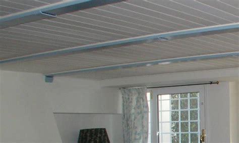 controsoffitti in legno bianco rivestimento controsoffitto shabby bicolore in legno di